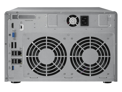 Detalle de conexiones del NAS QNAP TS879-PRO