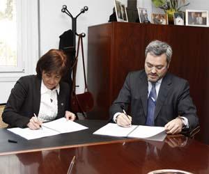 Alcaldesa de Barbera del Valles y director general UNIT4. e-administración