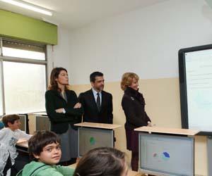 Desde izda, Lucía Figar, Orlando Ayala y Esperanza Aguirre.
