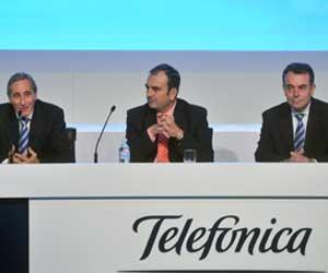 Julio Linares, consejero delegado de Telefónica, Juan Tomás Hernani, secretario general de Innovación y Javier Aguilera, director general de Grandes Clientes de Telefónica España