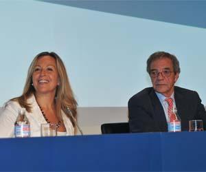 Trinidad Jiménez, Ministra de Sanidad, y Cesar Alierta, presidente de Telefonica
