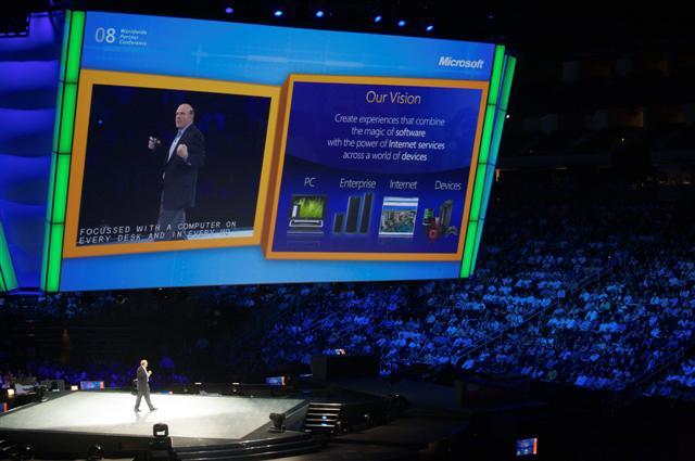 Steve Ballmer, CEO de Microsoft, durante su intervención